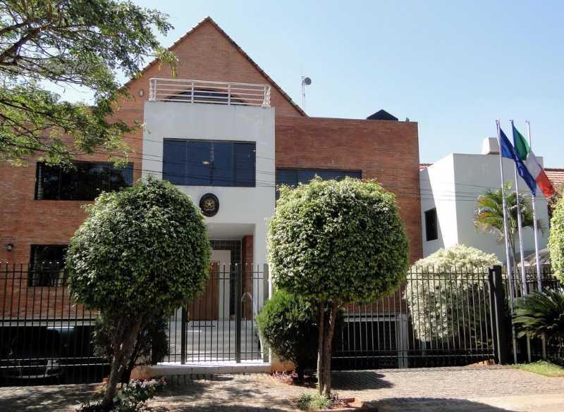 Il numero di telefono dell 39 ambasciata italiana in paraguay for Numero di politici in italia